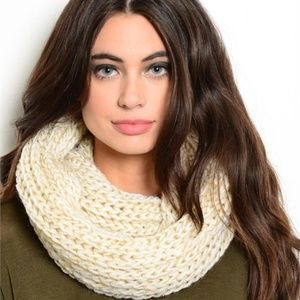 CREAM/GOLD KNIT INFINITY SCARF